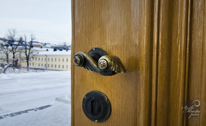Door Handle of the Helsinki Cathedral. Photo Soili Mustapää.