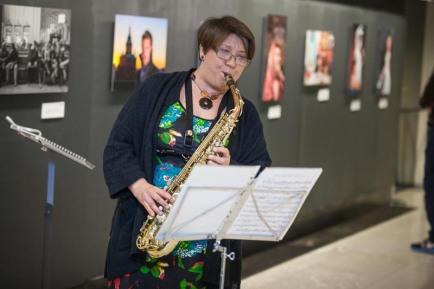 Merja Valve, saxophonist playing solo of Valse Marilyn by Rudy Wiedoeft.